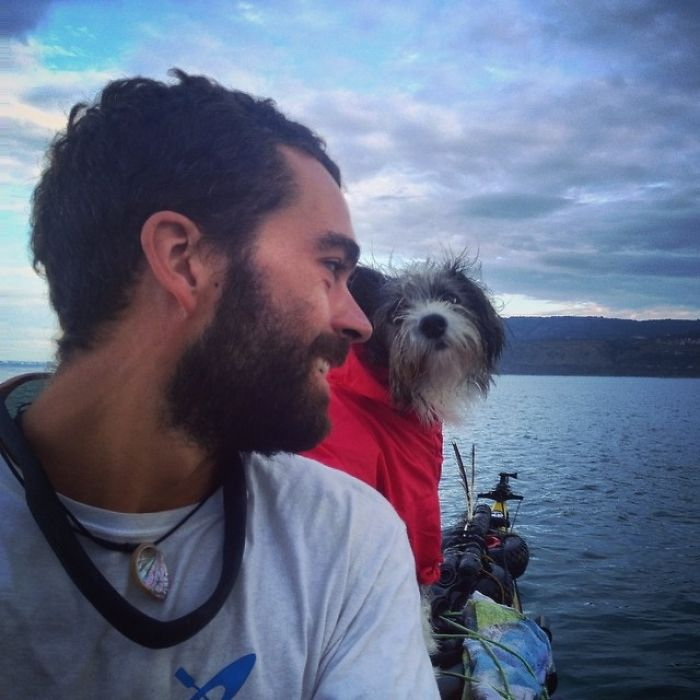 Im-kayaking-along-the-Mediterranean-Sea-since-three-years-and-Im-taking-my-found-dog-with-me-574312af65e61__700